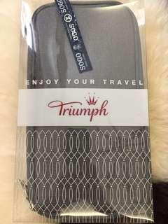 Triumph 旅行袋