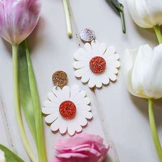 🆕 Daisy Drop Earings