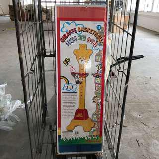 🚚 Giraffe Basketball Display Set