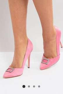 Pink heels point satin