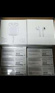Apple Airpods MMEF2ZA/A. 1 year Apple Warranty.