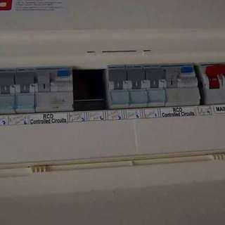 Main switch / fius box single phase blackout