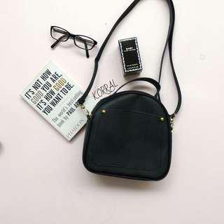 Slingbag (tas slempang) kecil hitam gaya korea