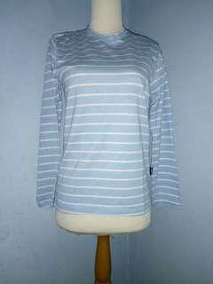 Kaos panjang like new size S (anak 7-10 th)