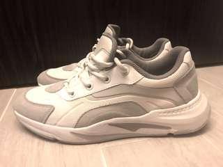 95% new Zara dad sneakers shoes EUR 42