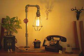 🚚 ½ Design Studio 工業風檯燈-桌燈A系列 (包含鎢絲燈泡*1)