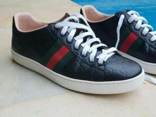 Sepatu Gucci authentic