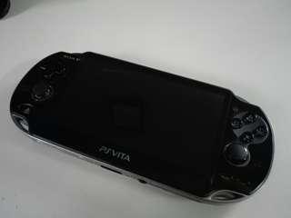 PS Vita 1k (console+game+memory card)