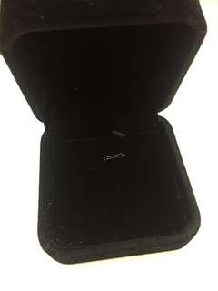 黑色絨毛吊咀首飾盒 jewel box necklace 頸鏈