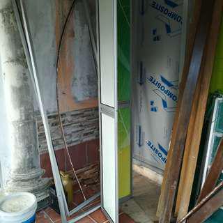 Toilet folding doors