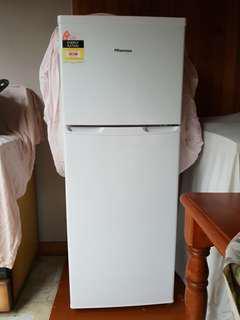 Hisense 222L White Top Mount Refrigerator