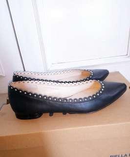 Nine west Pointed black flatshoes