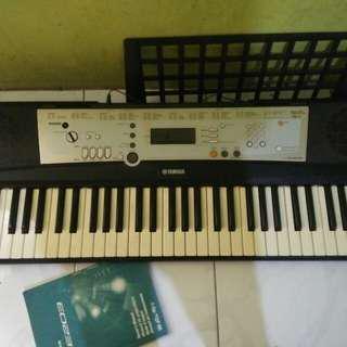 Keyboard Yamaha PSR E203