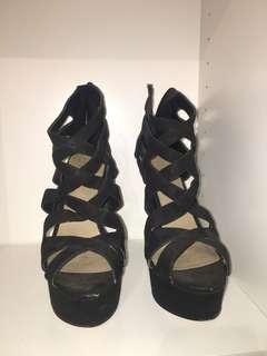 Lipstik strappy black high heels size 9