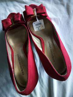 Ladies Shoes for as low as 100 pesos only!!! Grab one now!!!.