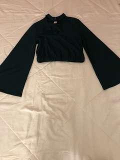 Bell sleeves crop top