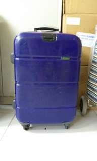 4 wheels luggage size H 21 inches w 13 inch hand carry size. Lost key