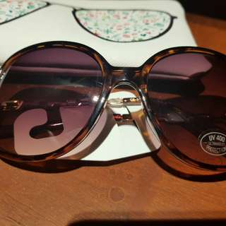 BNWT Loft Sunglasses with Pouch
