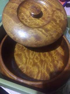 High quality wood bowl with cover