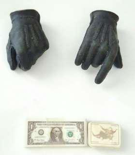 HOT TOYS BANK ROBBER JOKER 1/6 SCALE ACCESSORIES PLAYING CARDS HANDS CASH NEW!!!