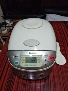 象印 智能電飯煲 1L (NS-TGQ10)   Zojirushi Microcomputer rice cooker 1L (NS-TGQ10)