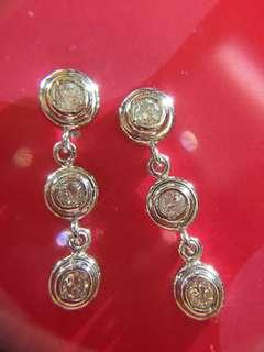 🔴✨ 三粒糖 鉑金鑽石耳環 ✨🔴