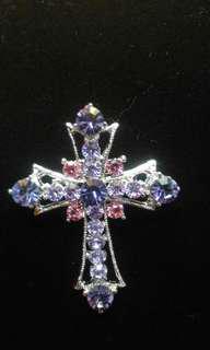 十字架胸針