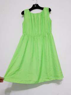 全新 吊牌未拆 漂亮蘋果綠 雪紡材質 無袖削肩 背心洋裝/娃娃裝