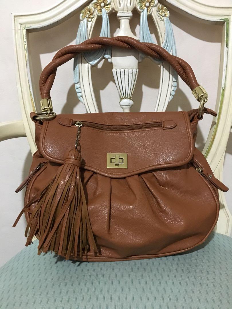 4281f1d2c716 Auth Cecil McBee Vintage Handbag