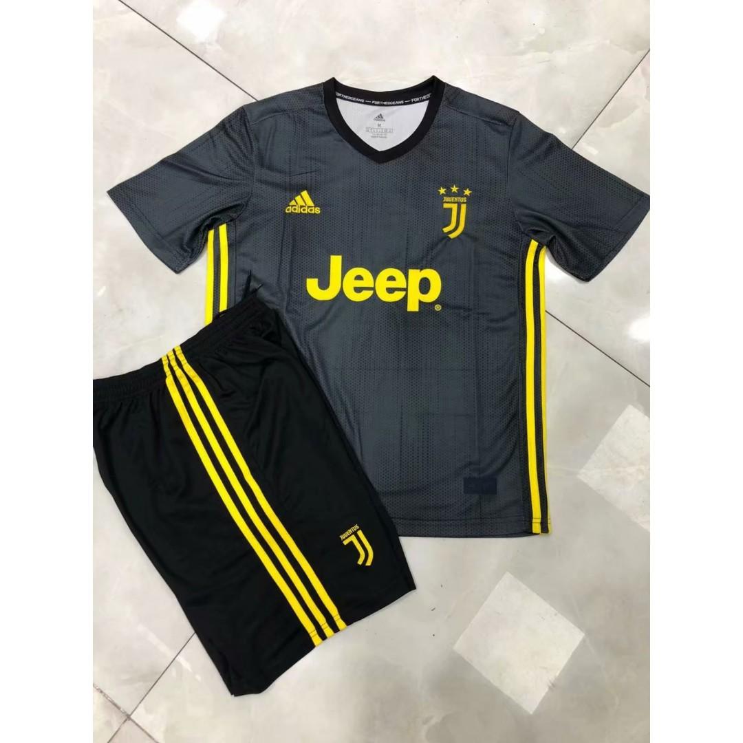 f8ba9b67260 BNWT Juventus Third Kit 18-19 Football Jersey Shirt