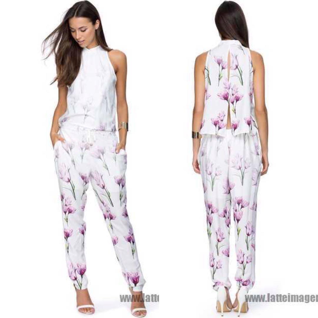 ec51d199690 BNWT Zalora Floral Open Back Jumpsuit