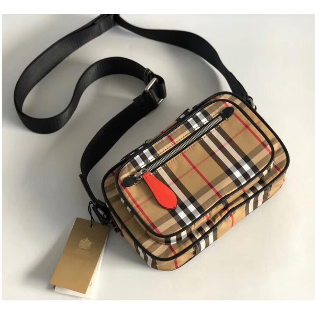 4641be74a0ae Burberry Camera Bag