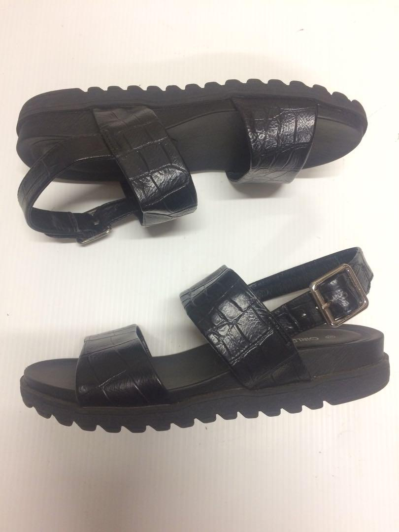 Chunky Black Sandals. Size 6
