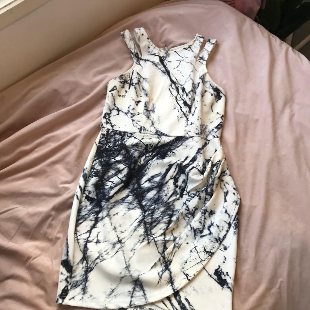 Dotti size 10 marble dress