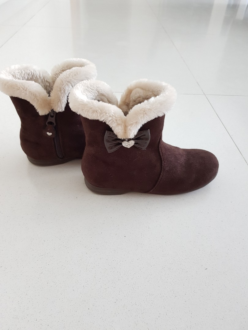 Girl's boots. Size Japan 20, UK 13