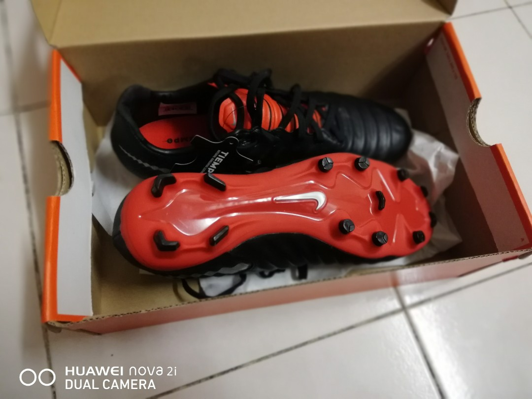 online store 029dc aee1c Nike Tiempo Legend 7 (2nd Gred), Peralatan Sukan, Gear Sukan Lain di  Carousell