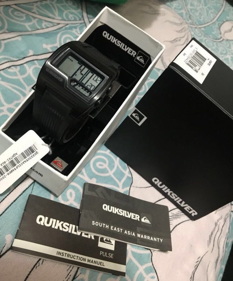 2a3ec377fc592 Quiksilver Pulse Watch