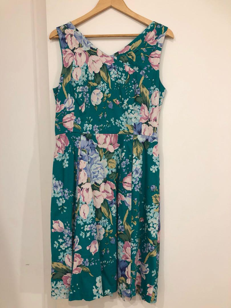 Review Green Floral Dress