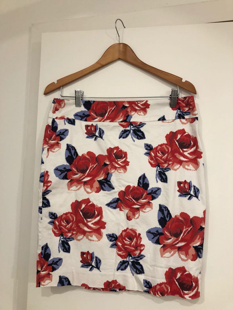 Review Red and Blue Floral Skirt