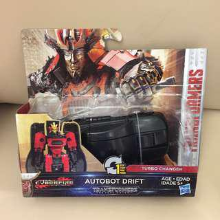"【全新】TRANSFORMERS ""The Last Knight"" - Cyberfire Autobot Drift"