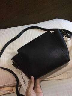 Zippered crossbody Bag