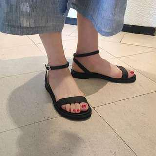 Reduced price* Korea lightweight sandals