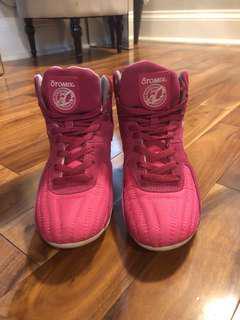 Women's size 7 training shoes