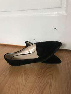 Forever 21 Black Faux Suede Pointed Flats
