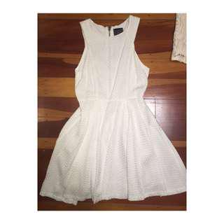 DESIGNER BOUTIQUE LABEL WHITE LADIES DRESS