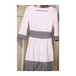 LADIES WHITE AND BLACK PATTERN CLASSY DRESS