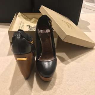 BURBERRY leather wood wedge heels (as new)