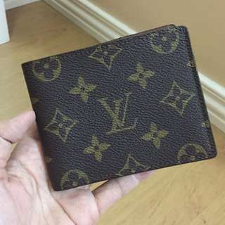 Authentic Louis Vuitton Monogram Men's Bifold Waller