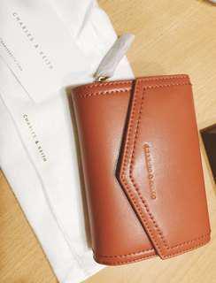 🚚 全新✨✨✨[小ck]磚紅色信封中夾