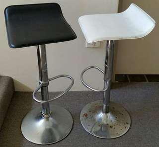 2 Black & White High Bar Leather Stools Chairs Gas Adjustable Height Gr8 Bargain!